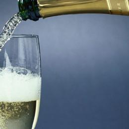 Wino musujące na ważną okazję
